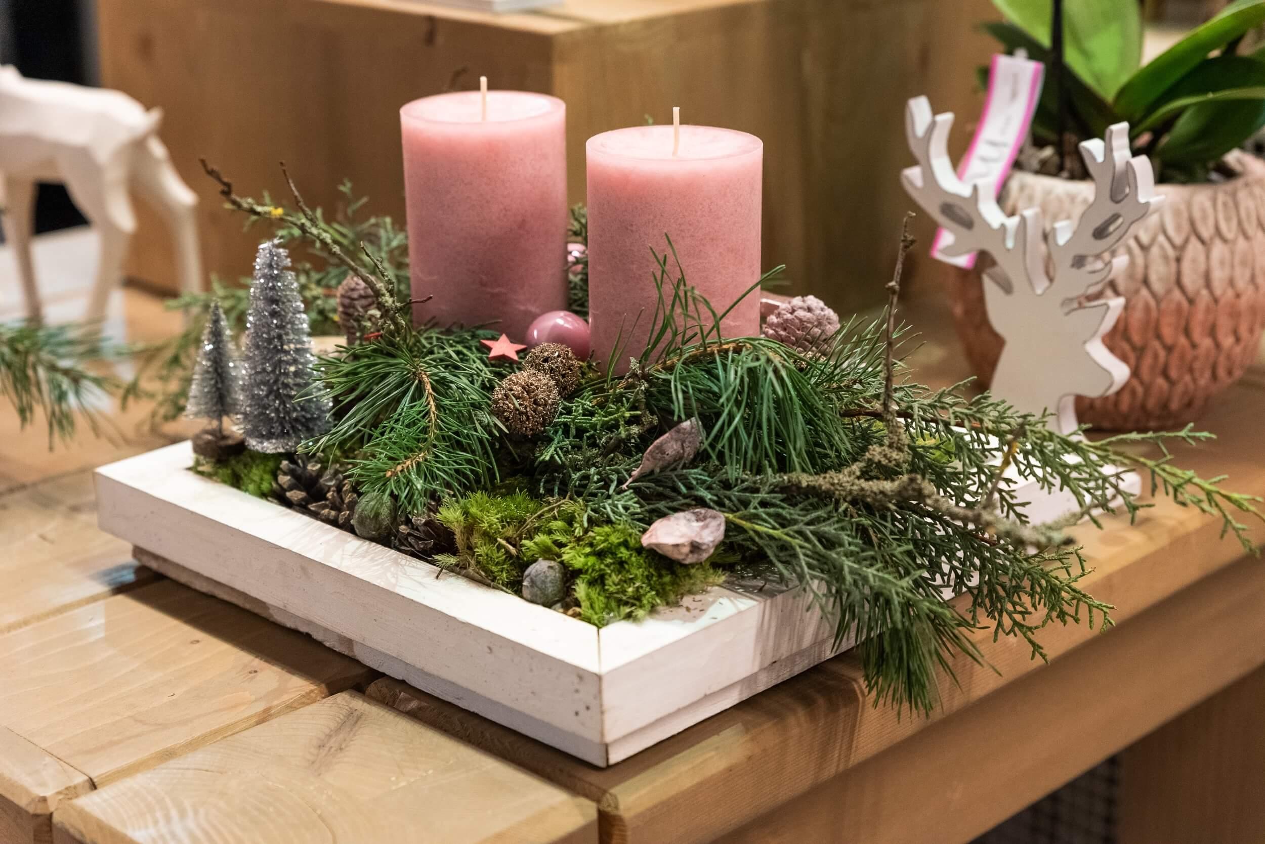 Adventsgesteck natürlich mit zwei Kerzen